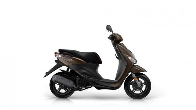 2016-Yamaha-Neos-4-EU-Mocaccino-Brown-Studio-002.jpg
